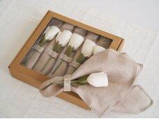 """Servetėlių rinkinys """"Natūralus ir 6 baltos rožės"""""""