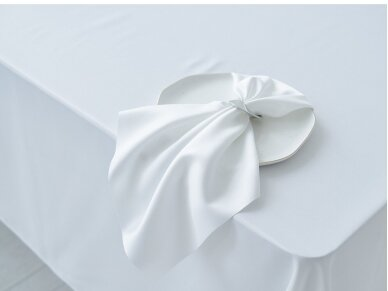 Staltiesė balta saten 5
