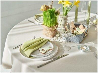 Velykinio stalo dekoravimas